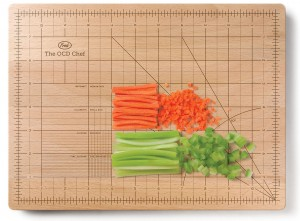 Chopping board with ruler measurements